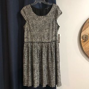 NWT Adrianna Papell Black & White Pleated Dress